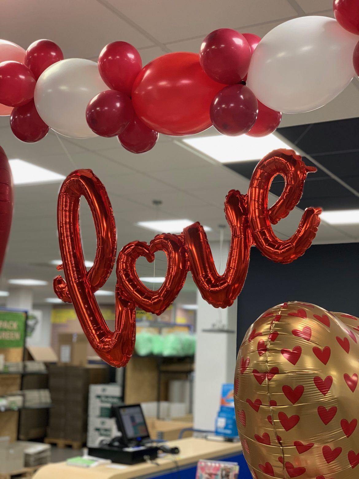 Schriftzug LOVE Ballon