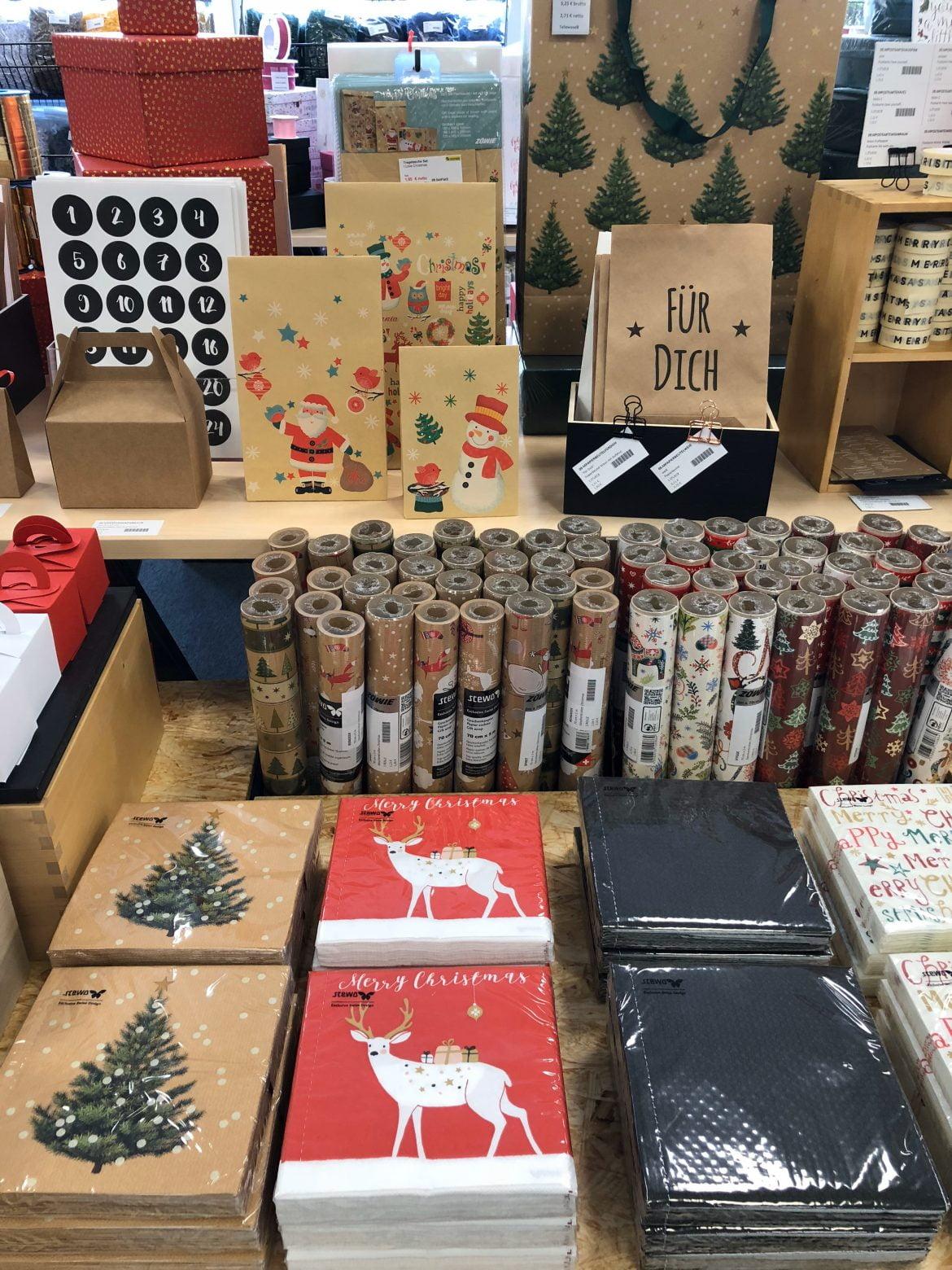 Weihnachten Geschenboxen und Papier