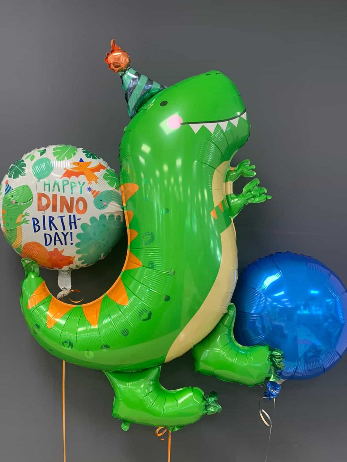 Dinosaurier € 8,90<br />Happy Birthday € 5,50<br />Dekoballon € 4,50 1