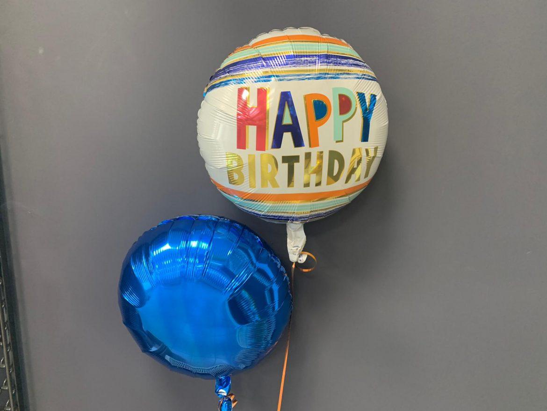 Geburtstagsballon €5,50<br />blauer Dekoballon €4,50 1