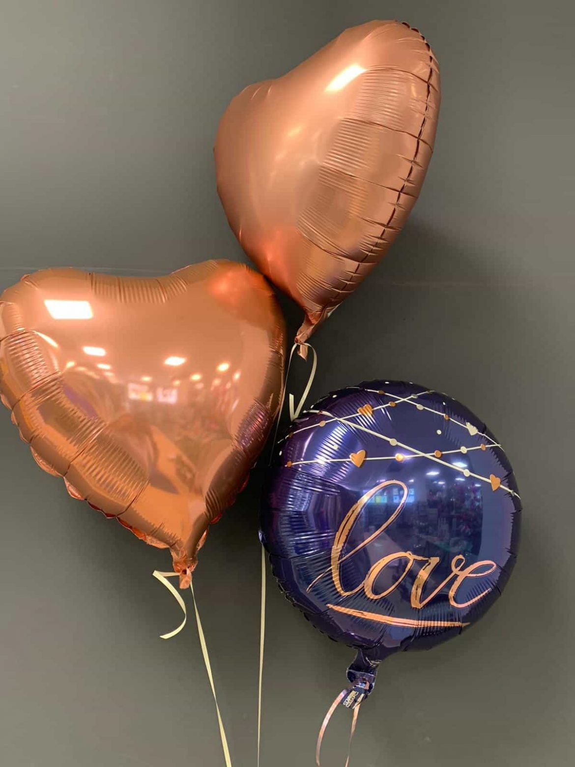 """Ballon """"Love"""" € 5,50 mit 2 Dekoherzen in gold je € 4,50 1"""