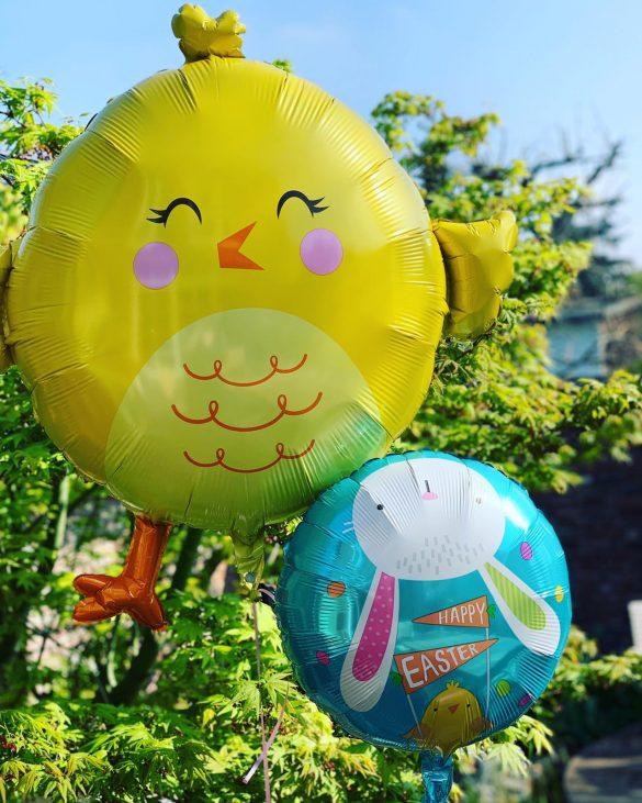 Osterhuhn als Heliumballon 49