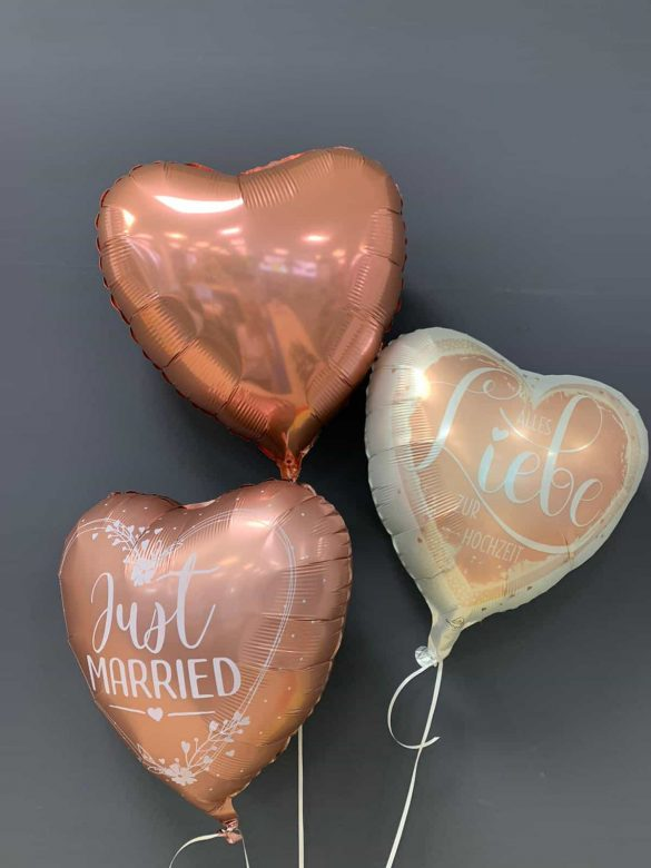 Just Married € 5,90<br />Alles Liebe € 5,90<br />Dekoballon € 4,50 161