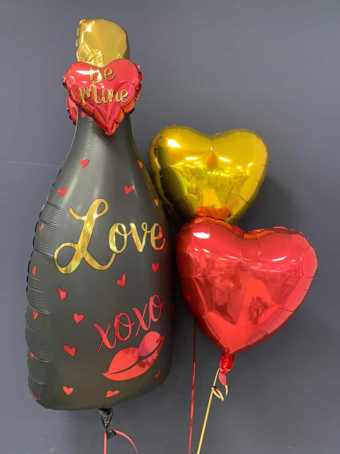 Flasche Love xoxo € 8,90<br />Dekoballons € 4,50 1