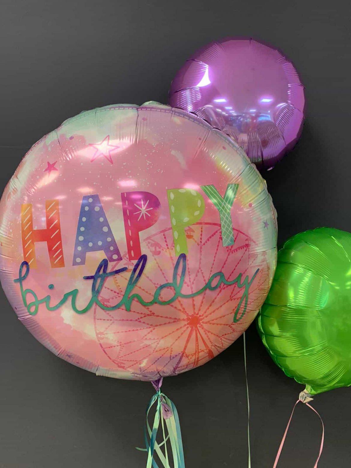 Girlchella 71cm Durchmesser<br>Happy Birthday € 5,50<br>Dekoballon € 4,50 1